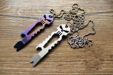 Titanium TC4 Alloy EDC Skull Tools Keychain Screwdriver Crowbar