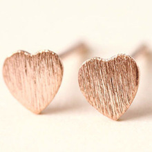 Fashio Silvery Stud Earrings Allergy Free 2PCS/Pair Girls Heart-shaped Rose Golden Unique Discounted Exquisite jwelry earrings