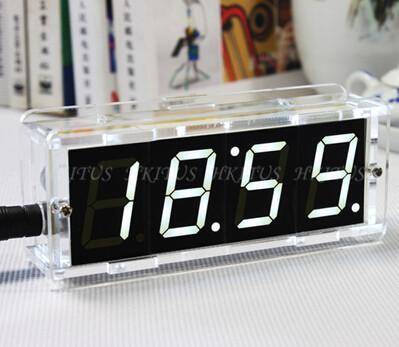 O Envio gratuito de Branco 1.31 polegada 4 Bits Digital kit DIY LEVOU Relógio Eletrônico MCU Microcontrolador Digital LED Clock Tempo Termômetro