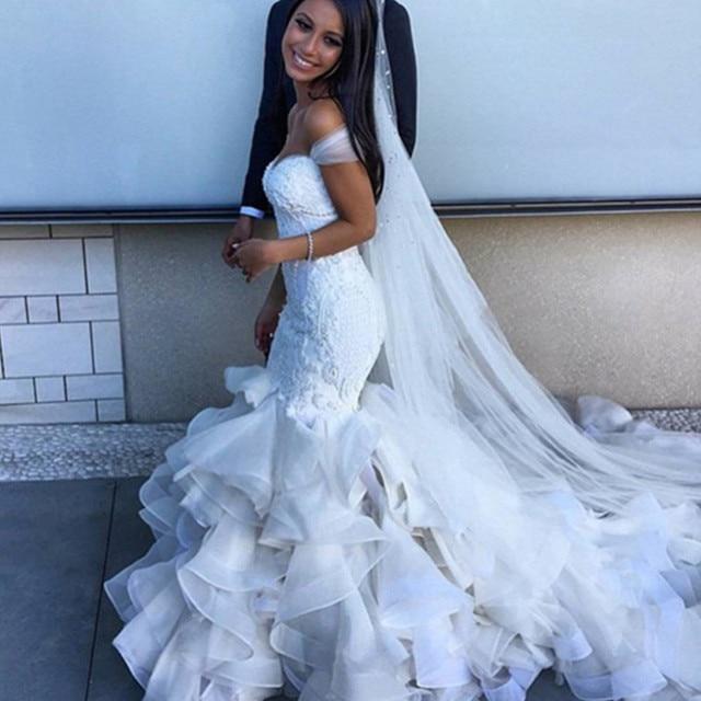 Pearls Beaded Lace Bodice Ruffles Skirt Country Mermaid Wedding Dresses  2016 Vestido De Noiva Chapel Train Dreamlike Bridal Gown 5320fad15a3d