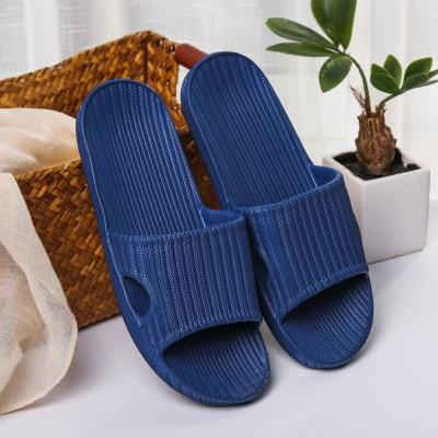 Домашние тапочки для пары; сезон лето; Домашние Нескользящие шлепанцы для ванной; уличная мода; амортизирующая повседневная обувь в полоску для мужчин и женщин; пляжная обувь - Цвет: 07 dark blue