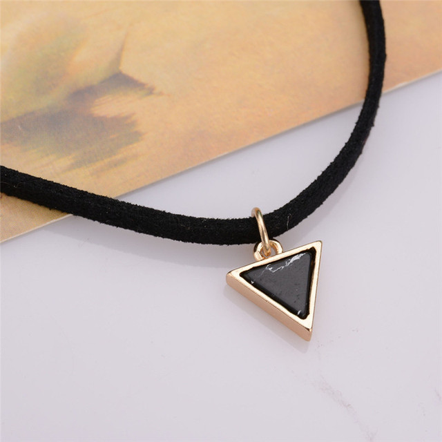 New Fashion Velvet Suede Choker Necklace Gold Plated Black Rectangle Pendant Vintage Woman Gift Hot
