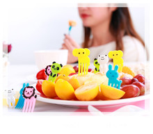 1SET Giraffe Elephant Fruit Fork Set Salad Forks Cake Picks Cutlery Party Tableware Toothpicks Decoration OK 0231