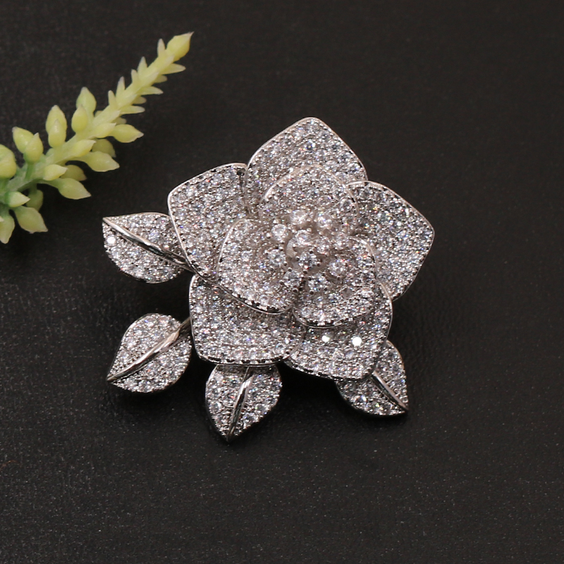 Lanyika Fashion Jewelry New Design Full Micro Flower with Leaf Brooch Pin for Wedding Party Luxury Popular Gift in Brooches from Jewelry Accessories