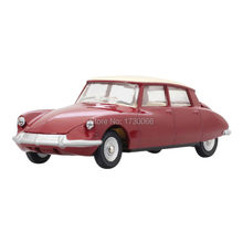 Dinky Toys 1/43 Atlas Car Model 530 CITROEN DS 19 red Opening hood Metal car models Diecast vehicle Toys Collect Or Gift toys norev 1 43 citroen 15 6 chapron rene coty 1957 diecast car model hard to find