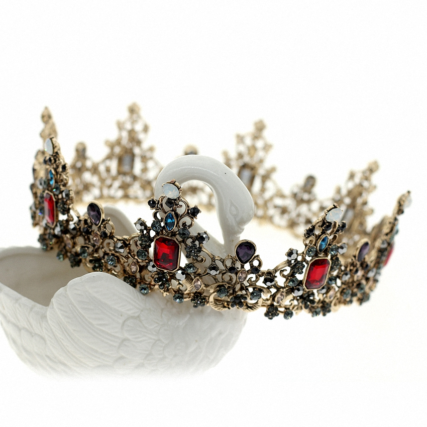 Luxury Bridal Bridesmaid Tiara Crown Rhinestone Pageant Wedding Tiaras and  Crowns Hair Jewelry Accessories 95a80ff22fe0