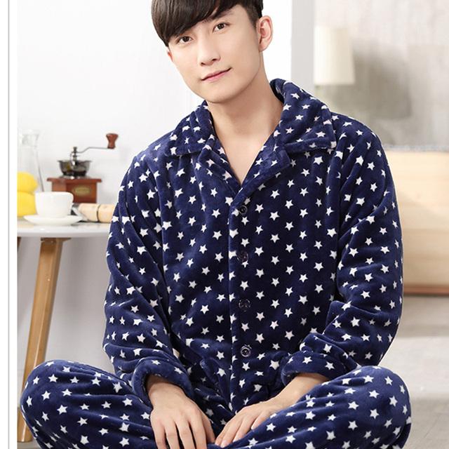 2017 Nuevos hombres Pijamas ropa de Dormir Conjunto de Franela Caliente A Cuadros Stripped Impresión Hombres Salón Ropa de Dormir Pijamas Homewear Camisones 267