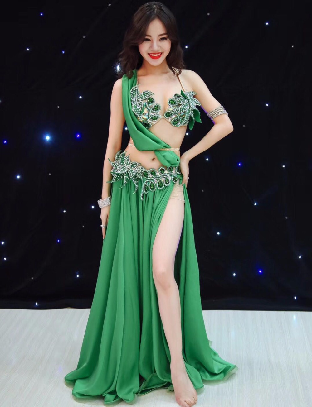 Belly Dance Clothes Green Bra Top+Skirt Girls Belly Dance Set Ballroom Dance Suit For Girls Dance Wear S,M,L,Top,Skirt Costumes white top my 2nd st patrick day clover green bling sequins girls skirt set 1 8y
