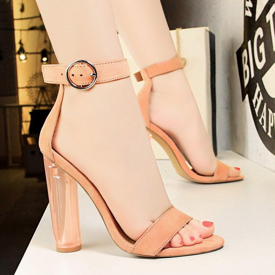 = 2018 nouveau été boucle sandales européen Transparent talon épais talon haut Sexy cristal talon daim sandale chaussures pour femmes
