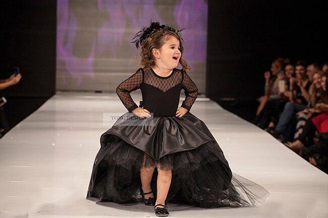 Luxus Benutzerdefinierte Eine Linie Brautkleid Lange Ärmel Kleid Mutter Tochter Passenden Kleidung Familie Aussehen Mädchen und Mama Kleidung - 4