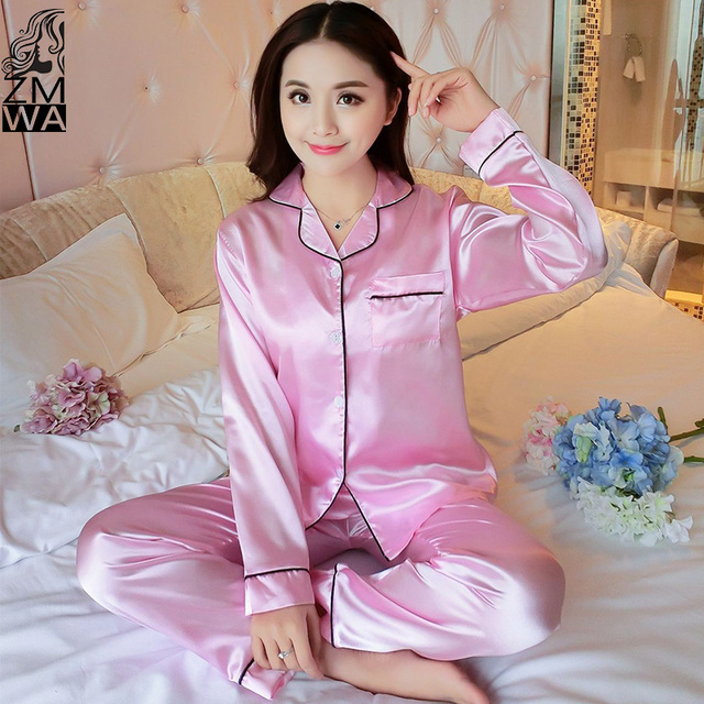 2017 New Women Satin Pajama Set Fashion Women Silk Pajamas Elegant  Long-Sleeved Pajama Pants Sets New Silk Sleepwear Pijama e45145c9e3