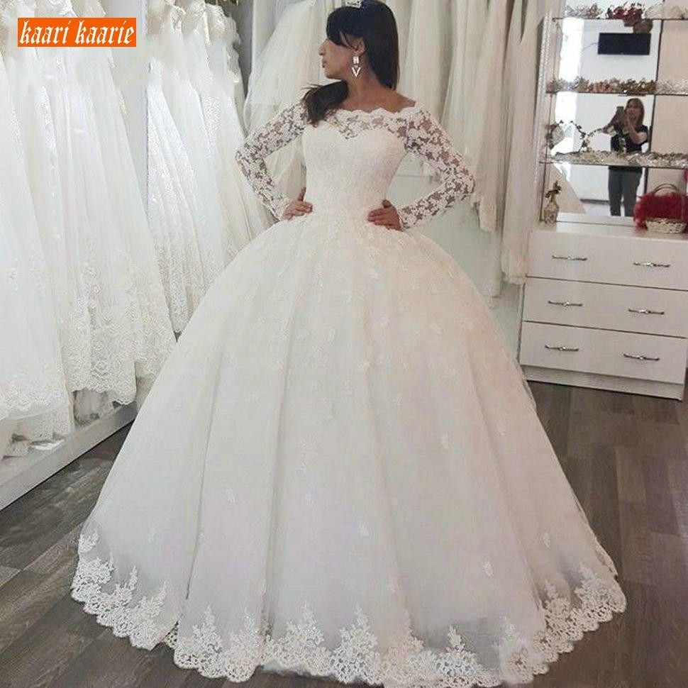 Vintage Long Sleeve Wedding Dresses White Lace Button Floor Length Bridal Gowns Arabic Women Boat Neck Customized Wedding Dress