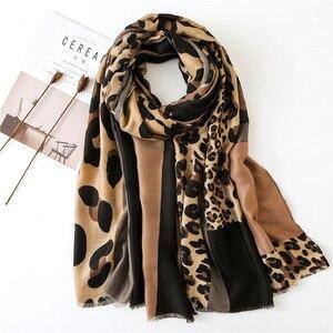 Image 2 - Женский шарф из пашмины с леопардовым принтом, дизайнерские хлопковые шарфы, шали и накидки, шифоновый хиджаб, бандана, 2019