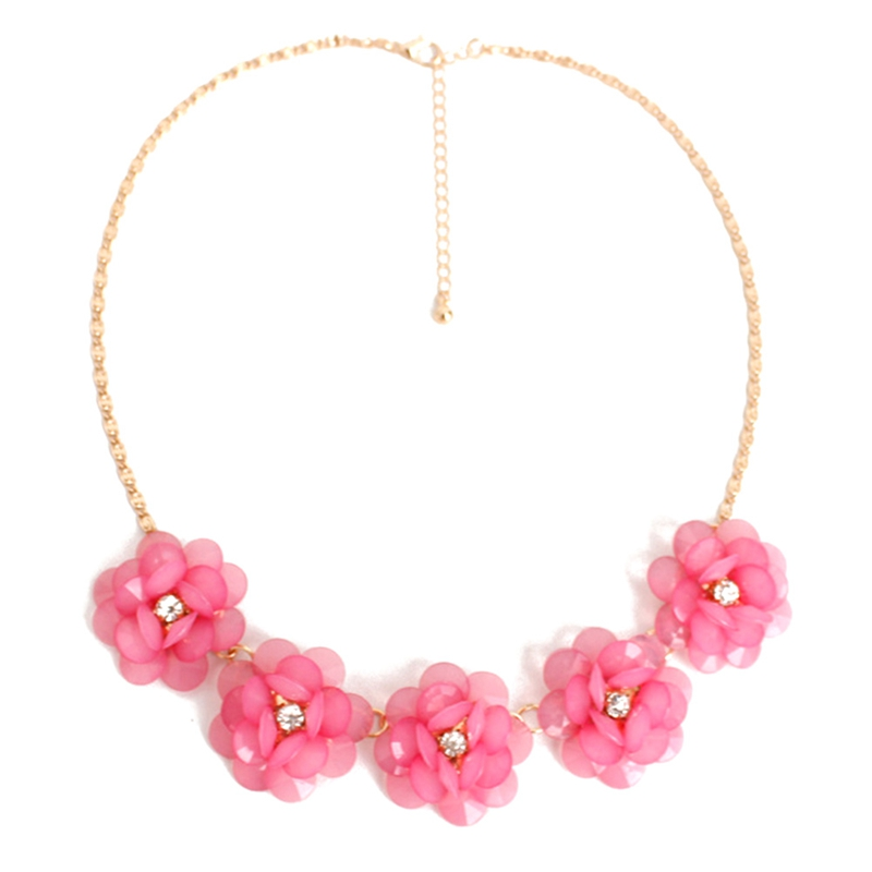New Korean fashion sweet and rich summer fashion flowers short necklace women statement necklace so beautiful