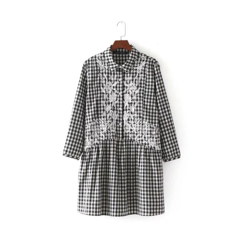 ef96e24481f 2017 Fashion Women flower embroidery Plaid Mini Dresses Fall style Casual  Three Quarter sleeve dress Womens
