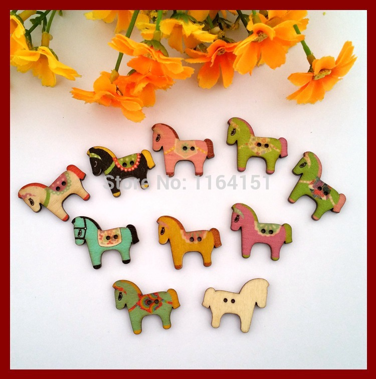 150pcs 2 Holes Mixed Horse shape Wooden Buttons for craft Sewing and Scrapbook 28x21mm botoes para artesanato