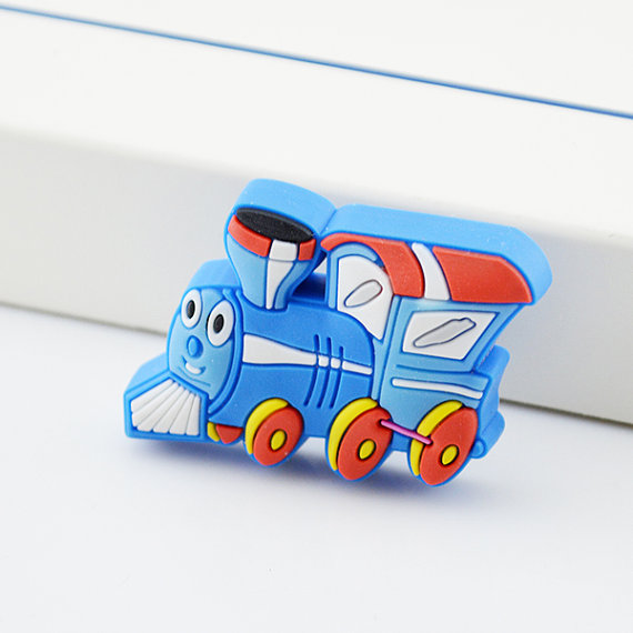 Kids dresser pulls drawer pull handles knobs blue train for Children s bureau knobs