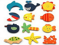 12pcs/pack/lot novelty gift EDUCATIONAL WOODEN TOY HANDPAINT CARTOON FRIDGE MAGNETS MEMO whcn