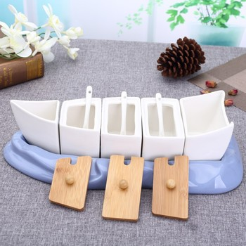 Boat Shaped Ceramics Seasoning Can Set Decorative Porcelain Flavoring Pot Kitchen Supplies Tableware for Spicy Pepper and Salt