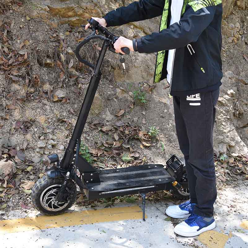 85km/h max Off-road 3200W powerful electric scooter single engine 21Ah or 26ah two engine 3200w dualdrive electric scooter powerful adult hoverboard off road skateboard professional electric longboard 11 inch tire