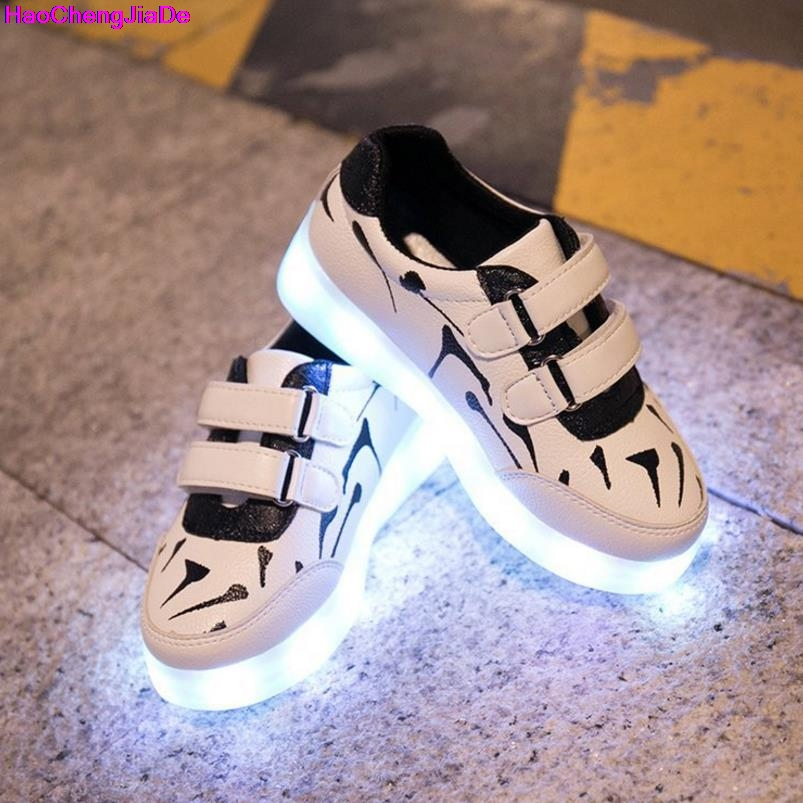 New Kids Glowing Sneakers With Light Fashion USB Charging Luminous Lighted Sneakers Boys Girls Colorful LED Children Shoes Flat new boys children luminous shoes sneakers with lighted led casual girls glowing sneakers kids shoes