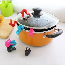 Creative funny 2pcs/lot Creative Cooking Tools Pot Cover Heightening Spill Control Silicone Little People Modelling Prevent Boil