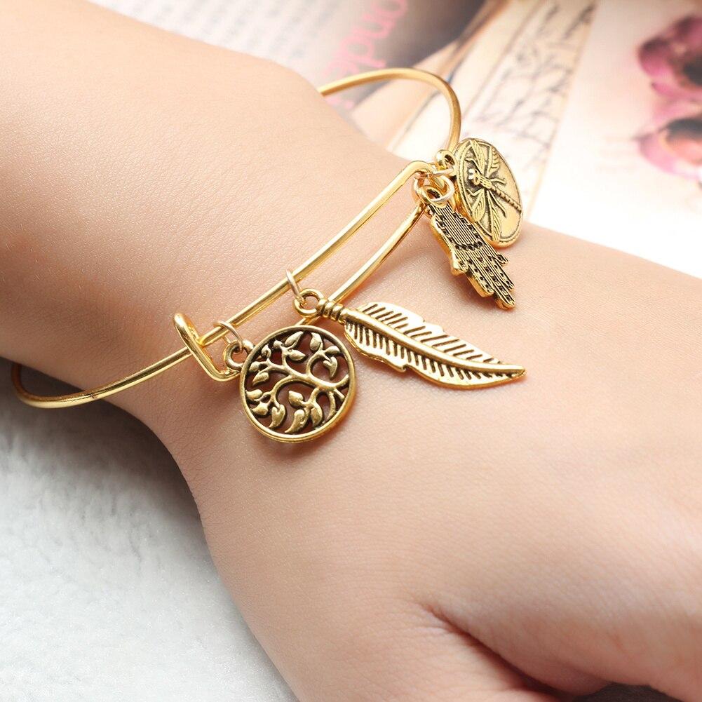 Silver-Tone Chain Bracelet w// Dragonfly Charm