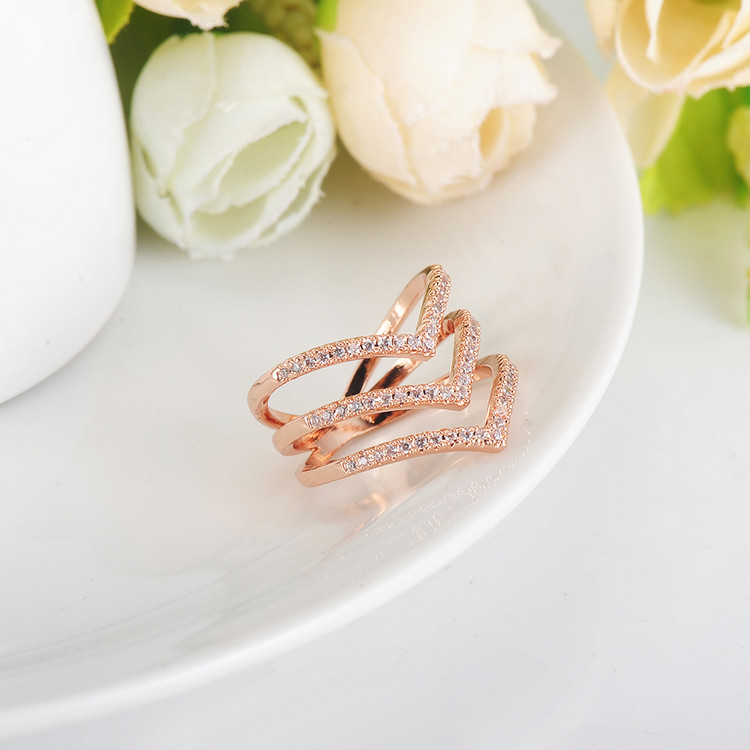 Promotion Sale Beagloer 17 New Fashion Ring Rose Gold Color Trendy Three V Shape Ring for Women CRI1034 8