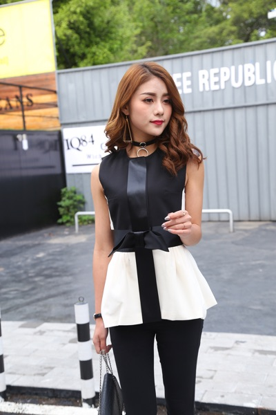 Sleeveless Black Blouse USD 4