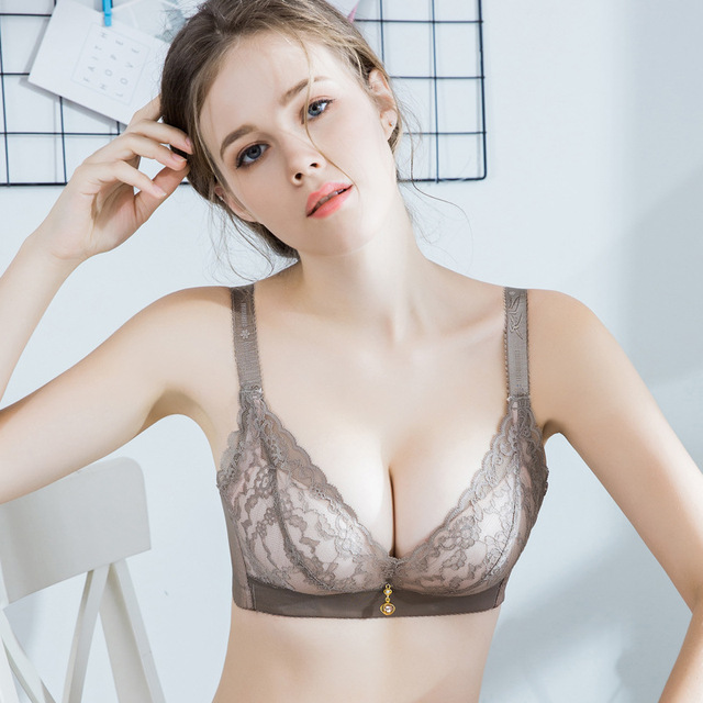 f601c78e1 Hot Fashion Lady Women s padded bra Underwire Deep-V Sexy Embroidered Side  Support Push Up