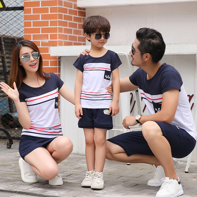 abfed58c44b68 Matching Family Clothing Fashion Mother Daughter Clothes Striped T shirt  Shorts Family Matching Outfits Father Son Clothes Set