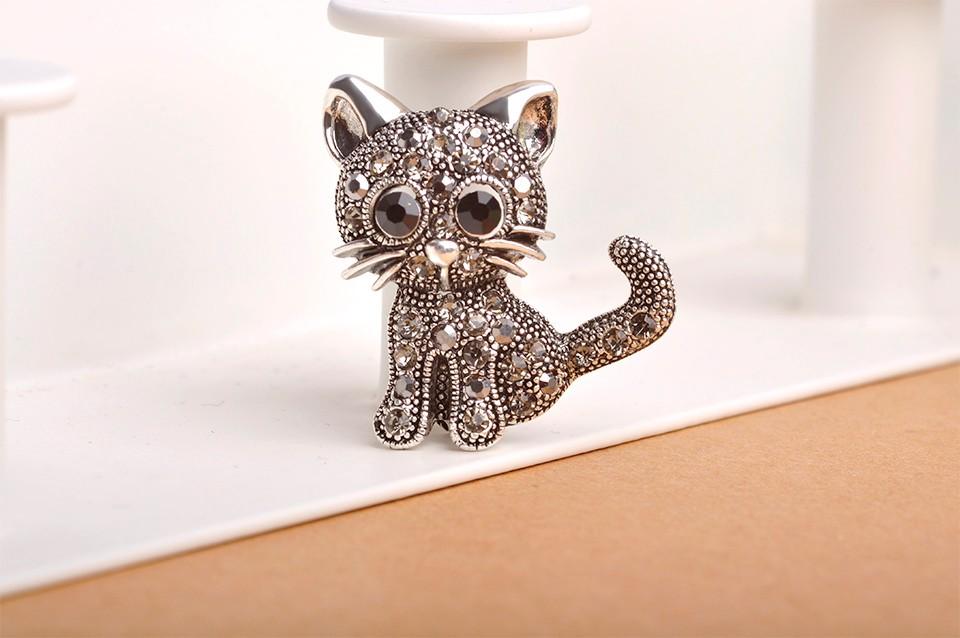 cute-little-black-eyed-silver-cat-brooch-with-grey-rhinestones-2