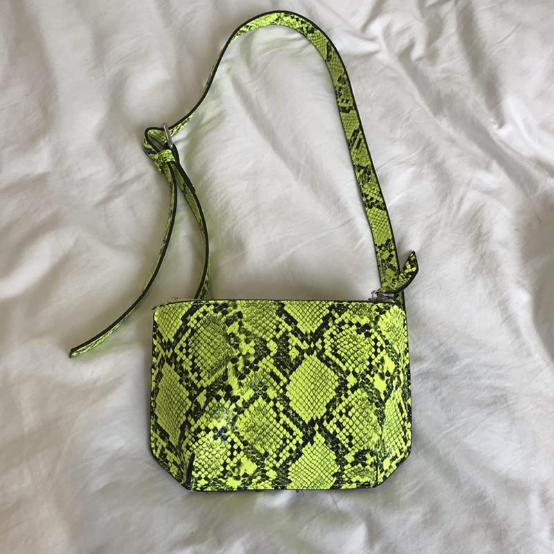 Serpentine Bag Fanny Pack For Women SnakeSkin Chest Bag Green Python Waist Bags Women Designer Fanny Pack Fashion Belt 2019 New