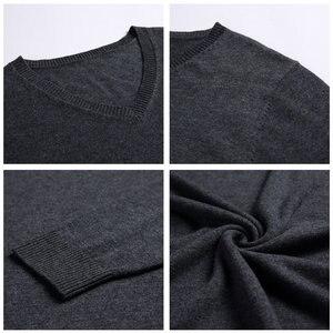 Image 5 - COODRONY Mens סוודרים קשמיר כותנה סוודר גברים טהור צבע סריגי למשוך Homme קלאסי מזדמן V צוואר צמר סוודר גברים 91009