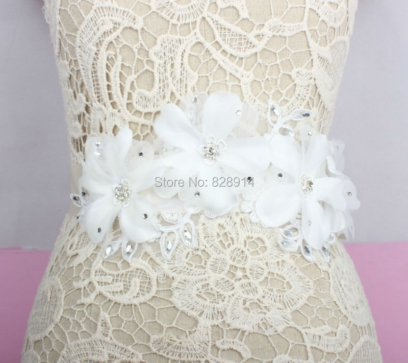 Flower Belts For Wedding Dresses: Wholesale Luxury White Flower Wedding Dress Sash Bridal