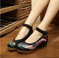 Floral Bordado Ocasional Zapatos de Las Mujeres 2016 Del Verano de La Vendimia Nacional Zapatos de Tela Beijing Plus 40 Cuñas Aumentaron Creciente