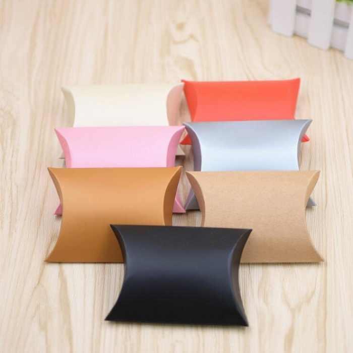 キャンディーボックスバッグチョコレートクッキー紙ギフトパッケージ用誕生日ウェディングパーティーの好意の装飾用品diy枕形wh