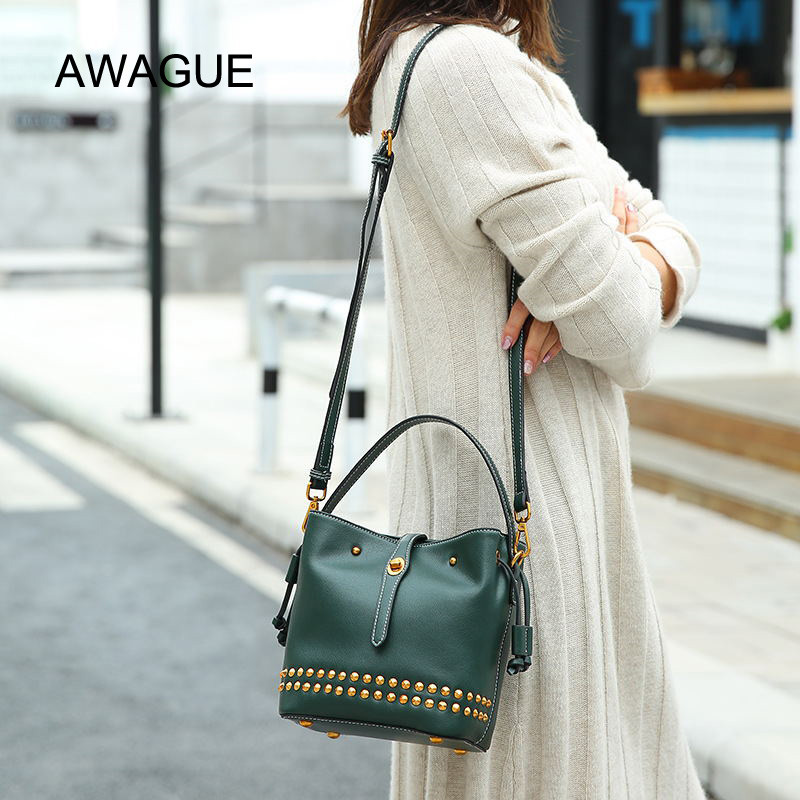 AWAGUE Fashion Lady Handbag Genuine Leather Rivet Shoulder Bag for Women Cow Leather Lady Crossbody Bag 2018 vintage genuine leather handbag crossbody shoulder bag for women fashion office lady totes female real 100% cow leather gg