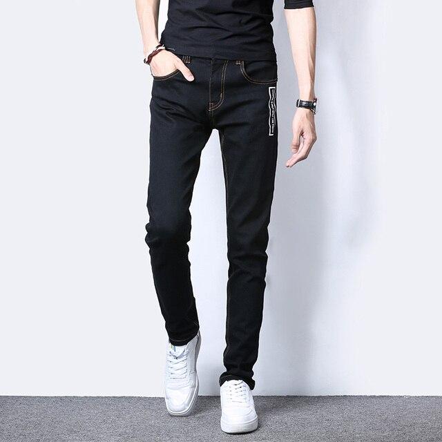 Schwarze jeans im sommer