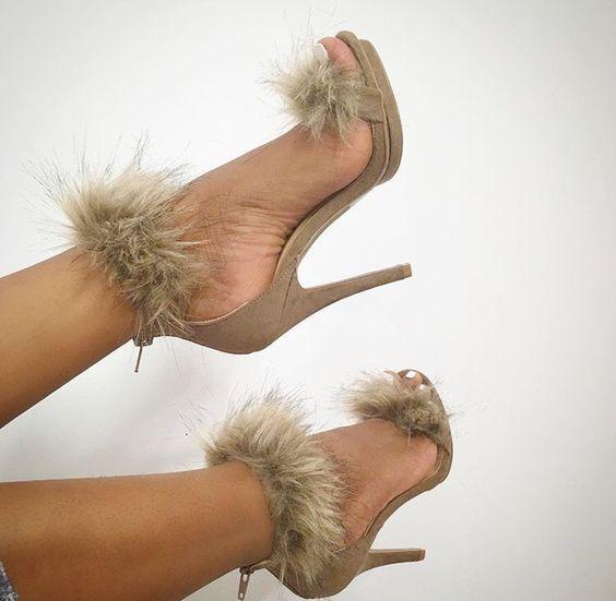 все цены на 2017 Summer women newest platform sandals super high thin heels faux fur sandals ladies pom pom sandals khaki runway shoes
