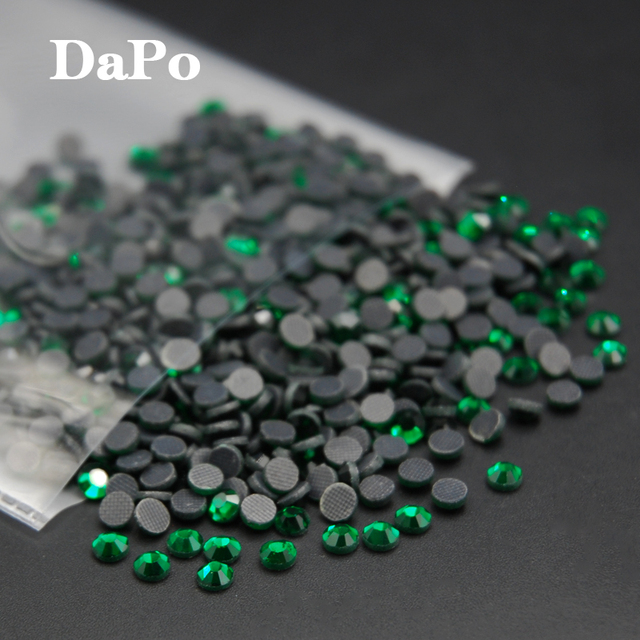 Hotfix Rhinestone Flat Back Heat Transfer Iron On Design Strass Emerald Color  Crystal Stones For Dress Accessaries SS6-SS30 83a5032073fc