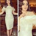 Alta moda Árabe Sirena del Satén vestidos de Cóctel 2016 Fuera del Hombro Con La Pluma de la rodilla-Longitud Del Partido Vestido de cóctel