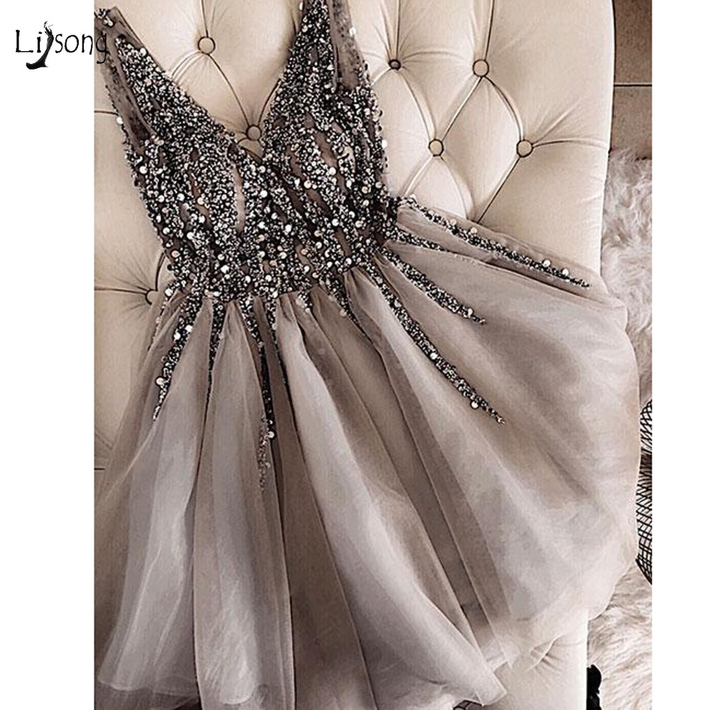 Sparkle Crystal Beaded Short Cocktail Dresses Gray Homecoming Dress Double V-neck Sexy Shiny Mini Prom Gowns Abiye Vestidos gown