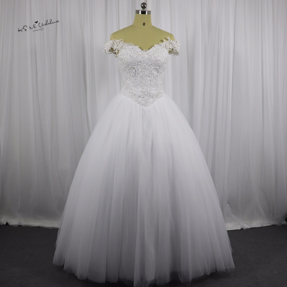 Pearl Wedding Gowns: Puffy Vintage Wedding Dress Ball Gown Pearls Lace Wedding