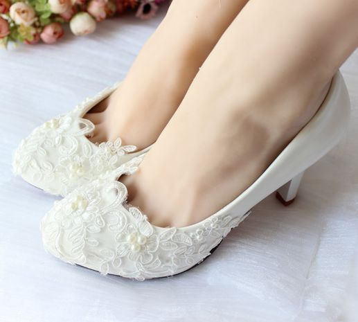 ФОТО Light Ivory lace wedding shoes for women bridals handmade low mid high heels wedding pumps pearls wedding shoe big discount 2017