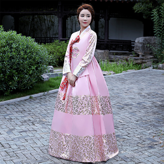 51dc49ab1842 South Korea s high end traditional bronze Korean court hanbok Korean ...