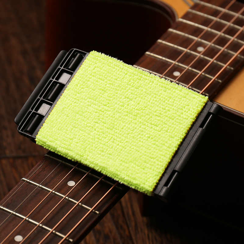 Reinigung der E Gitarre Bass Strings Scrubber Rub Maintenance Cleaner Care U3N9