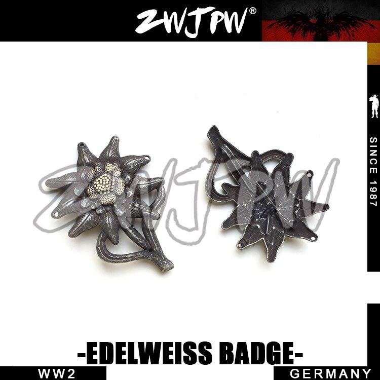 WW2 WWII Military Edelweiss Garrison Cap Insignia Hat Insignia DE / 402126
