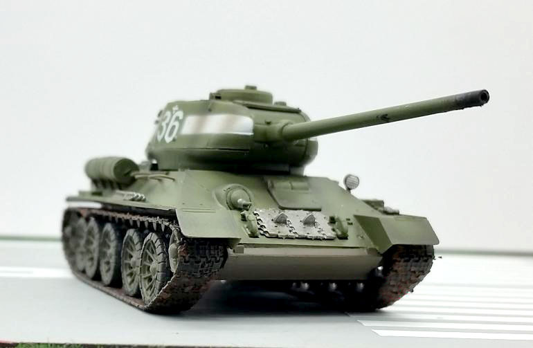 Genuine TRUMPETER 36270 1:72 <font><b>T34</b></font>-85 <font><b>tank</b></font> <font><b>model</b></font> of the former Soviet Union Heavy <font><b>tank</b></font> Static Simulation <font><b>model</b></font> image