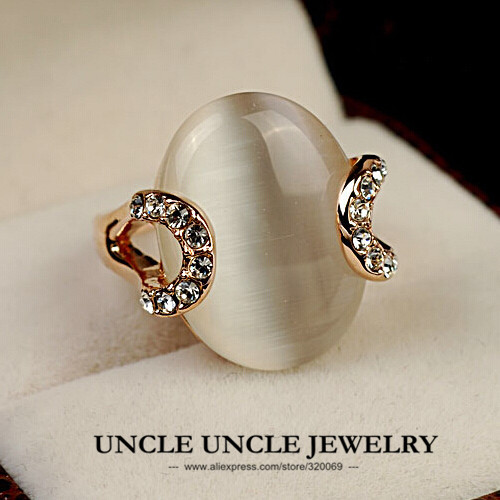 Rose Gold Color High Quality Oval Opals Rhinestones Setting Elegant Retro Lady Finger Ring Wholesale
